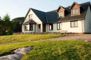 Otterburn Bed and Breakfast in Strontian