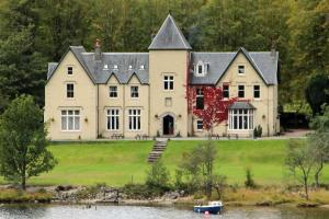 Glenfinnan House Hotel at the head of Loch Shiel